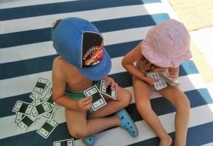 Jugando a las cartas | Desayuno Con Charlotte